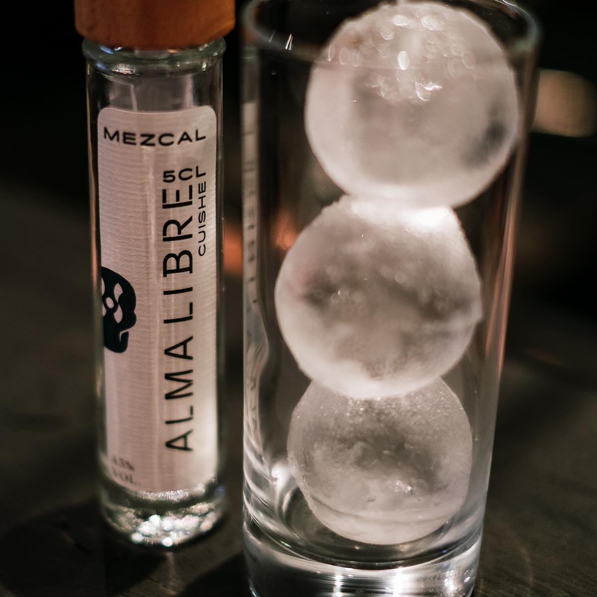 Alma Libre Mezcal mit Tonic Water von Thomas Henry