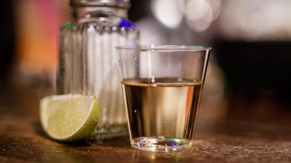 Blog-Beitrag_Wie-Trinkt-man-Tequila